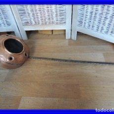 Antigüedades: CALENTADOR ANTIGUO CAMA EN COBRE Y HIERRO. Lote 80102865