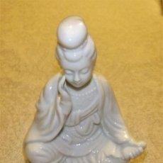 Antigüedades: FIGURA DE GEISHA DE FINA PORCELANA BLANCA AÑOS 50 JAPÓN. Lote 80126801