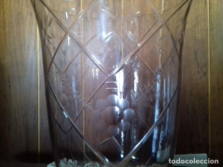 Antigüedades: ANTIGUO JARRON DE FINO CRISTAL TALLADO. - Foto 3 - 80146333