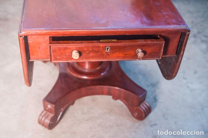 Antigüedades: Mesa de Comedor - Victoriana - Madera de Caoba - 2 Alas y Cajón - 107 cm Largo, 117 Ancho - S. XIX - Foto 3 - 80180205