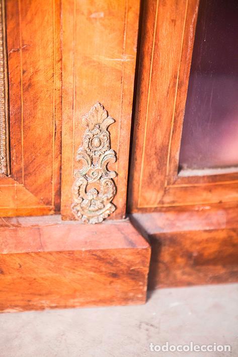 Antigüedades: Antigua Credenza - Aparador - Trinchante - Bufete - Raíz y Marquetería - Puertas Cristal Bombeado - Foto 9 - 80187857