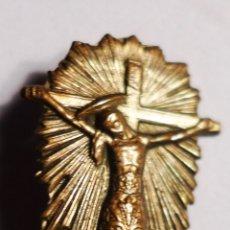 Antigüedades: ANTIGUA AGUJA DE CRUCIFIJO DE BRONCE DE 2,3 CM. EN BUEN ESTADO .. Lote 80318914