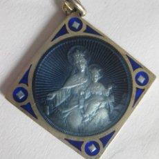 Antigüedades: PRECIOSA MEDALLA ROMBOIDAL ESMALTE AZUL Y PLATA, VIRGEN CARMEN Y SGR, CORAZÓN, 2ª MITAD S. XIX. Lote 80371221