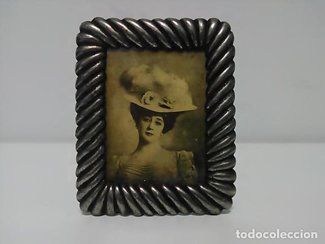 PORTAFOTOS, PORTARETRATOS MEDIDAS INTERIOR 5,5X4,5CM (Antigüedades - Hogar y Decoración - Portafotos Antiguos)