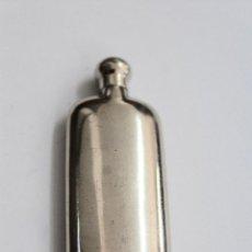 Antigüedades: PEQUEÑA BOTELLITA DE METAL PLATEADO. S.XX.. Lote 80489905