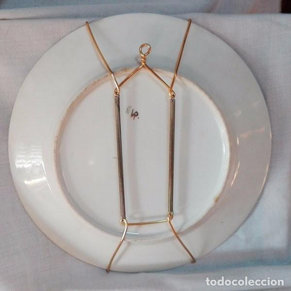 Antigüedades: PRECIOSO PLATO DE CERÁMICA PINTADO A MANO, FIRMADO DELANTE M. VERGÉS - Foto 6 - 80500825