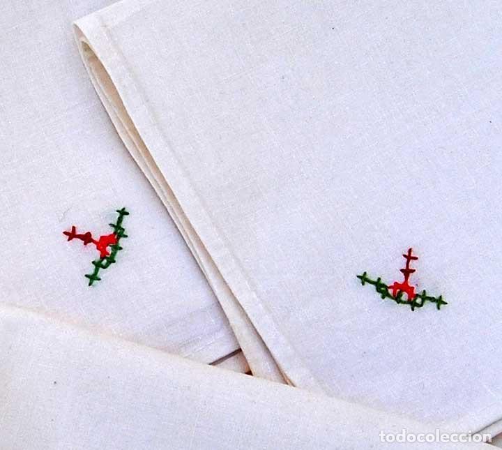Antigüedades: Juego de 10 servilletas de hilo o lino bordadas - Foto 2 - 80510869