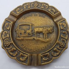 Antigüedades: CENICERO ANTIGUO DE BRONCE DE MOTIVOS VINÍCOLAS Y BUEYES TIRANDO DE UN CARRO.. Lote 80563474