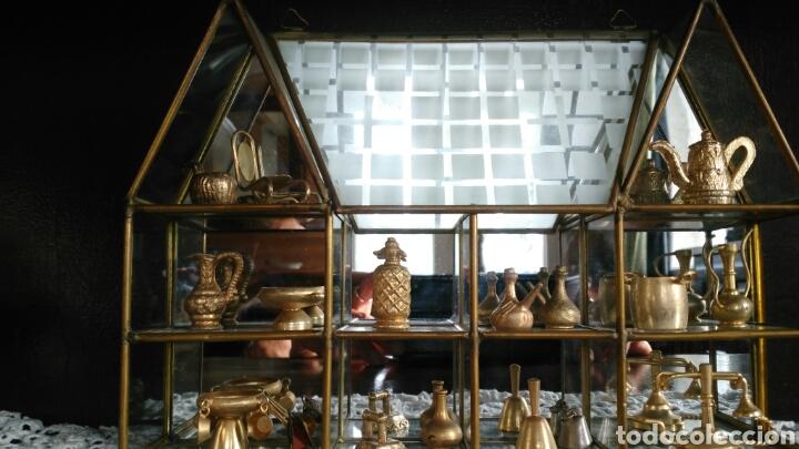 Antigüedades: Mueble miniaturas figuras bronce - Foto 2 - 80619243