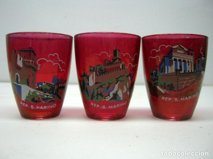 Antigüedades: 6 antiguos bellos vasos chupito rojo litografias monumentos Republica San Marino souvenir - Foto 3 - 80660570