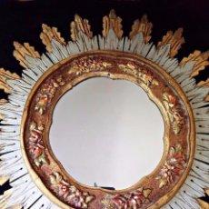 Antigüedades: ANTIGUO Y BONITO ESPEJO DE SOL DE MADERA TALLADA Y DORADA.PERFECTO ESTADO. Lote 80689614