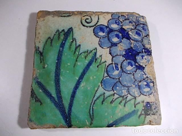 ANTIGUO AZULEJO DEL XVII VALENCIANO (Antigüedades - Porcelanas y Cerámicas - Azulejos)