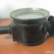Antiquitäten - GRAN FAROL DE CARRUAJE DE LOS AÑOS 20 EN HIERRO FORJADO Y BRONCE CON DOBLE CHIMENEA, 28 CMS DE ALTO, - 83136258