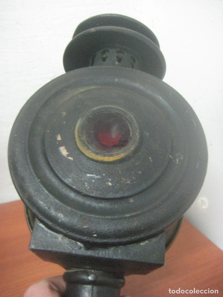 Antigüedades: GRAN FAROL DE CARRUAJE DE LOS AÑOS 20 EN HIERRO FORJADO Y BRONCE CON DOBLE CHIMENEA, 28 CMS DE ALTO, - Foto 6 - 83136258