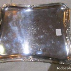Antigüedades: BANDEJA DE METAL PLATEADO, GRABADA. 25 X 21 CMS.. Lote 80824459