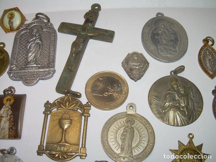 Antigüedades: ANTIGUAS MEDALLAS Y CRUZ...TOTAL..21 UNIDADES. - Foto 2 - 80831863