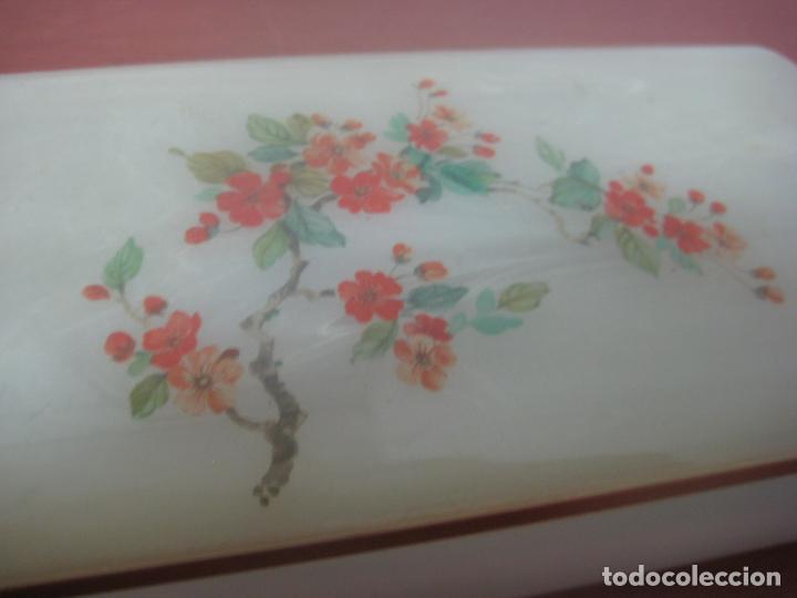 Antigüedades: PRECIOSO JOYERO DE OPALINA PINTADA A MANO CON TEMAS FLORALES EN DOS TONOS,CON DORADOS,DE LOS AÑOS 20 - Foto 8 - 80862543