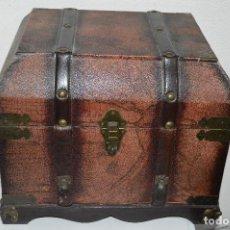 Antigüedades: PRECIOSO Y ANTIGUO ARCA COFRE BAUL. Lote 80904668