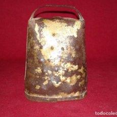 Antigüedades: CENCERRO CON BADAJO DE HUESO. Lote 80920800