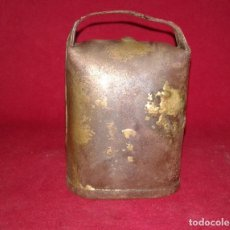 Antigüedades: CENCERRO CON BADAJO DE HUESO. Lote 80921108