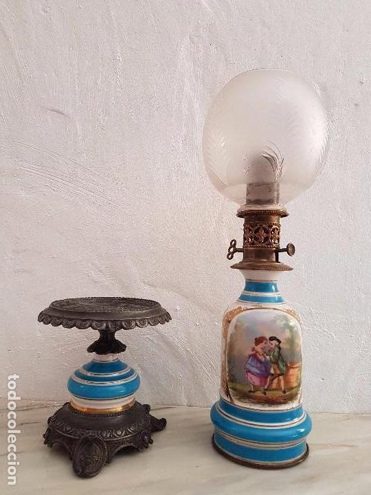 QUINQUÉ DE PORCELANA CON GUARNICIÓN (Antigüedades - Iluminación - Quinqués Antiguos)