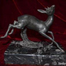 Antigüedades: FIGURA DE GACELA EN BRONCE DE LA CASA DE PORCELANA ALGORA . Lote 81029244