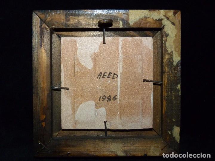Antigüedades: PEQUEÑO AZULEJO DE MANISES ENMARCADO. FIRMA CHENOLL 1986. OLAMBRILLA 7,5x7,5 cm. - Foto 3 - 81050056