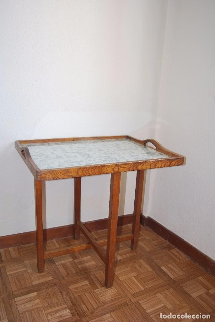 Antigüedades: PRECIOSA MESA AUXILIAR DE MADERA DE ROBLE - PLEGABLE - BANDEJA - AÑOS 30-40 - Foto 2 - 81062616