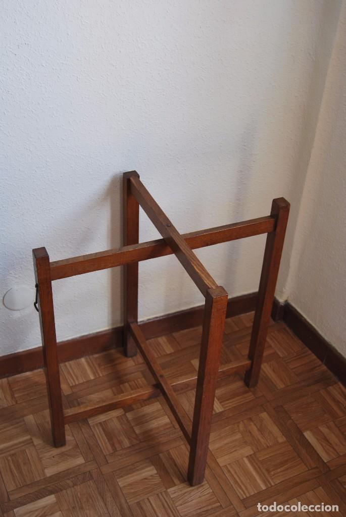 Antigüedades: PRECIOSA MESA AUXILIAR DE MADERA DE ROBLE - PLEGABLE - BANDEJA - AÑOS 30-40 - Foto 10 - 81062616