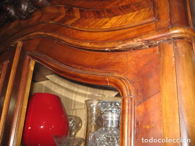 Antigüedades: Antiguo armario alto con copete 2,50 cm. vitrina baldas y puertas cristal biselado 113 X 52 cm. - Foto 2 - 81068048