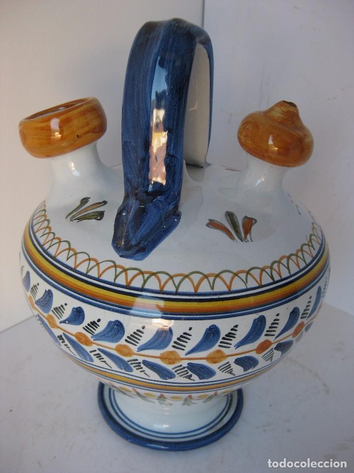 Antigüedades: Precioso botijo de Talavera, cerámica esmaltada vidriada con dibujos estampados de motivos florales - Foto 2 - 81094612