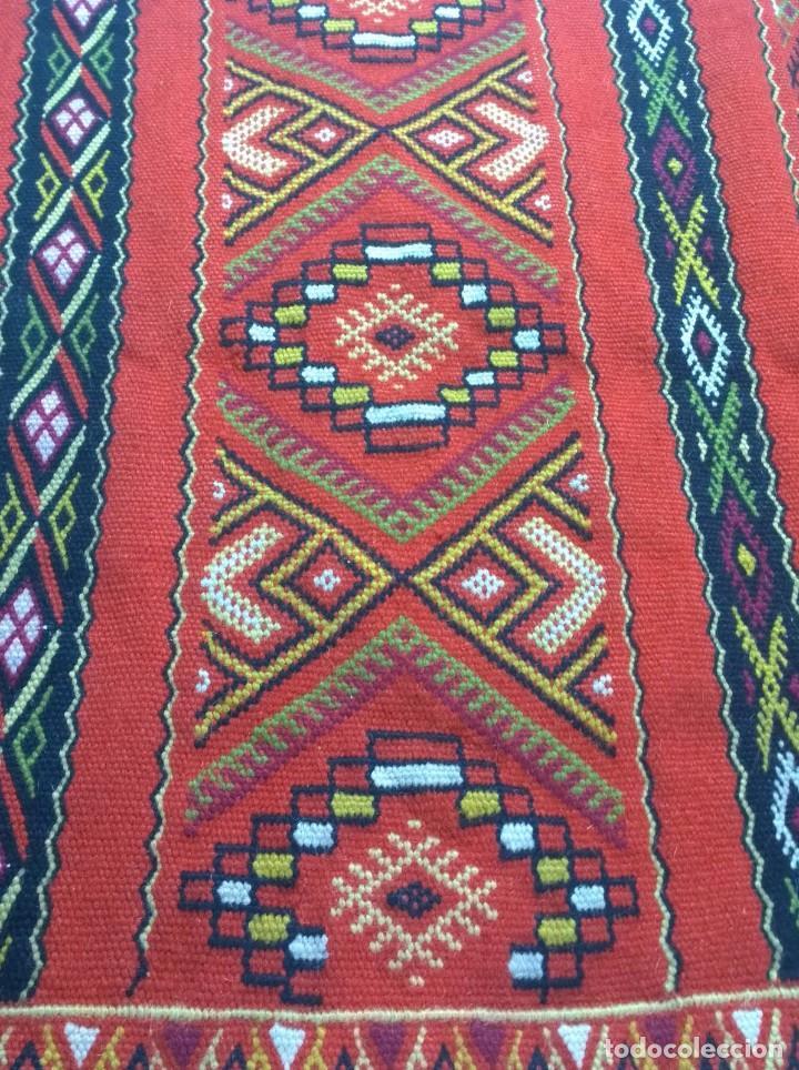 Antigüedades: Kilim de lana artesanal roja con motivos geométricos. - Foto 2 - 81101256