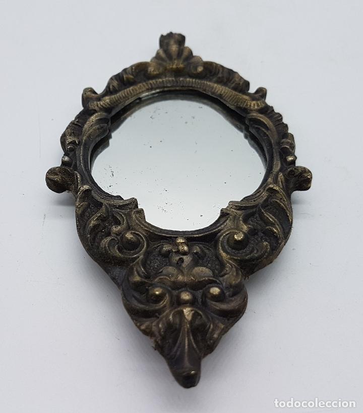 Antigüedades: Espejo cornucopia antiguo para colgar en bronce y cristal de estilo victoriano. - Foto 5 - 81134784