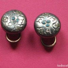 Antigüedades: GEMELOS EN METAL ART NOUVEAU SISTEMA DE SUJECIÓN ABATIBLE. Lote 81113088