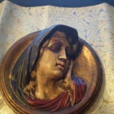 Antigüedades: PRECIOSO MEDALLON CERAMICA VIRGEN MARIA PINTADO A MANO.. Lote 81219116