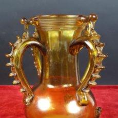 Antigüedades: JARRON MALLORQUIN EN CRISTAL SOPLADO. COLOR AMBAR. CIRCA 1960. . Lote 81281796