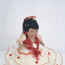 Muñeca española clasica: ANTIGUA MUÑECA DE CERÁMICA - SEVILLANA - AÑOS 40-50 - ALTURA 22 CM. Lote 81289784