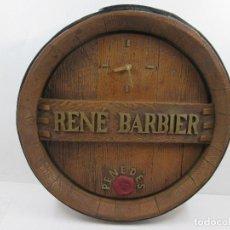 Antigüedades: ANTIGUO RELOJ VINO RENE BARBIER PENEDES - FUNCIONA 41 CM DIAMETRO. Lote 81514260