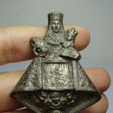 Antigüedades: ANTIGUA FIGURA DE METAL PLATEADO. VIRGEN CON NIÑO. S.XIX. . Lote 81609108