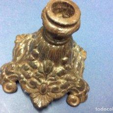 Antigüedades: EXCELENTE PIEZA PARA LA DECORACIÓN, PORTA VELAS EN HIERRO MACIZO FORJADO DEL SIGLO XIX. Lote 81619280
