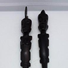 Antigüedades: PRECIOSOS CUBIERTOS AFRICANOS HECHOS ARTESANALMENTE EN MADERA MACIZA EN EL CONGO AÑOS 50.. Lote 81630632