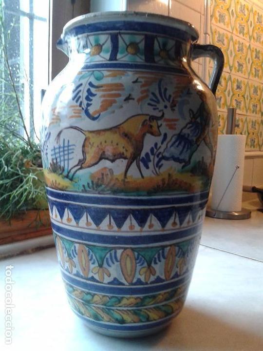 ANTIGUA PIEZA, ORZA DE CERÁMICA DE TRIANA. FIRMADA. ALTURA 34.5 CM (Antigüedades - Porcelanas y Cerámicas - Triana)