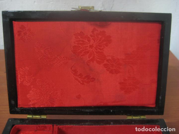 Antigüedades: CAJA JOYERO CON DIORAMA CENTRAL, ORIGEN CHINO, MADERA CON FIGURAS TALLADAS DE CORCHO Y NACAR,ANTIGUO - Foto 16 - 83280560