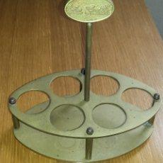 Antigüedades: PORTA COPAS COPERO MANZANILLA LA GUITA, SANLUCAR. EN METAL. Lote 81653080