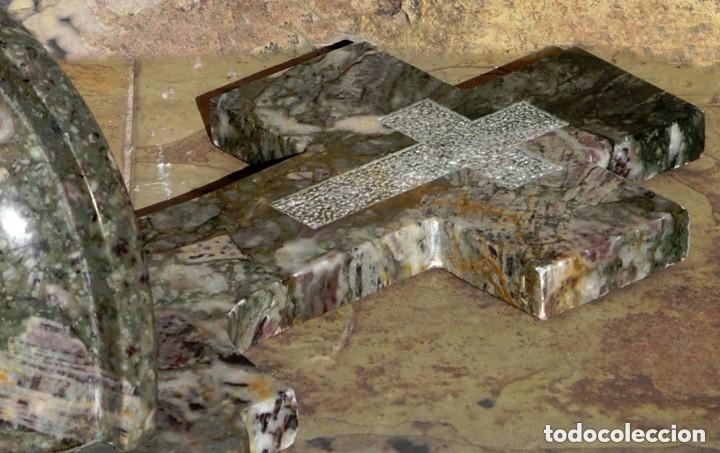 Antigüedades: PRECIOSA PILA DE MÁRMOL VETEADO - IGLESIA - BENDITERA - CAPILLA - AGUA BENDITA - PARA SANTIGUARSE - Foto 2 - 81690796