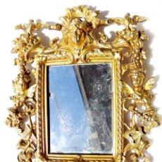 Antigüedades: ESPEJO ISABELINO DE ALTA CALIDAD EN BRONCE DORADO CON QUERUBINES Y ABAJO CARA DEL DIABLO 31 X 24 CM. Lote 81697164