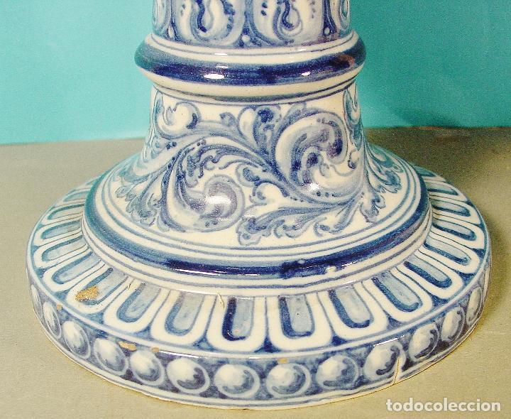 Antigüedades: EXTRAORDINARIO JARRÓN EN CERÁMICA DECORADA. RUIZ DE LUNA. TALAVERA. FIRMADO. 46 CM. BUEN ESTADO. - Foto 3 - 81788156