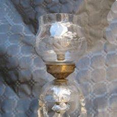 Antigüedades: ELEGANTISIMA LAMPARA ANTIGUA CRISTAL MORDIDO BACCARAT CIRCA 1900 DE MESA. Lote 81816572