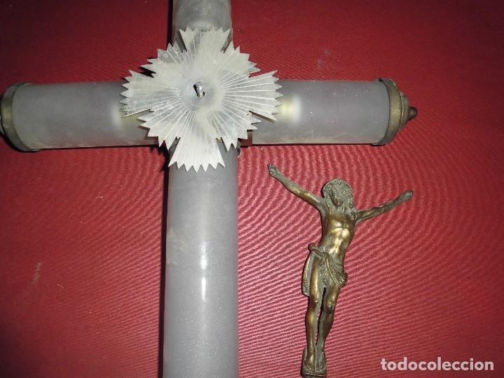 Antigüedades: impresionante cruz luminosa principios del XX,en metal y tres tubos de cristal soplado glaseados - Foto 3 - 81844544