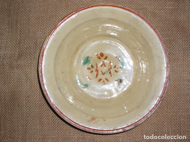 ANTIGUO PLATO CERAMICA CATALANA DE LA BISBAL. MUY BUEN ESTADO. (Antigüedades - Porcelanas y Cerámicas - La Bisbal)